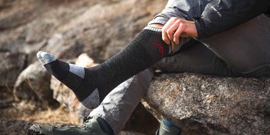 Best hiking socks - title