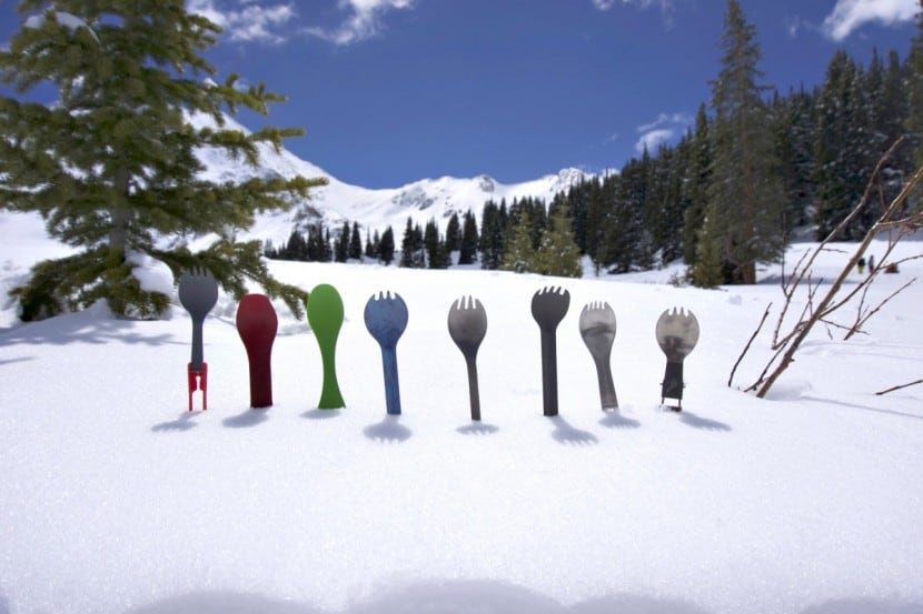 Best hiking sporks - title
